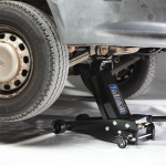 how to use a trolley jack and axle stands