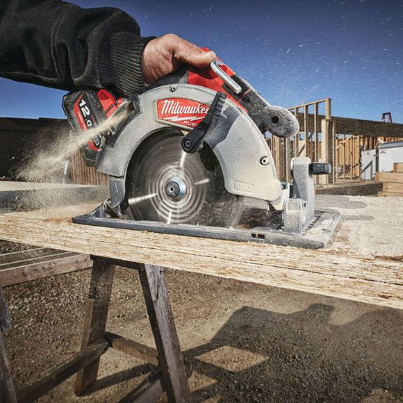 Milwaukee M18FCS66-C Fuel 184mm Circular Saw with Bag